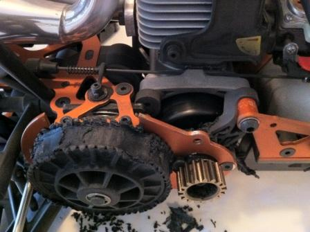 Destroyed spur gear and Clutch bell carrier - RCLargeScale